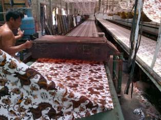 Gambar Saat Ini Pusat Penjualan Batik Dikuasai Batik Printing
